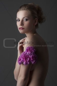 girl portrait with flower bouquet
