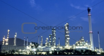 oil refinery plant and pollution