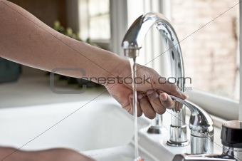 Hand Operating Faucet