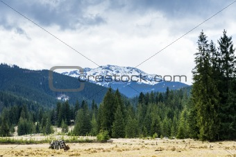 Tatra mountains during cloudy day