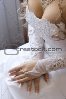Bride&#39;s decollete
