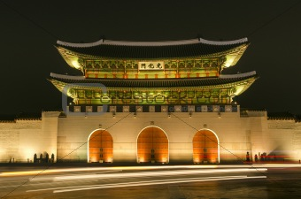 Gwanghwamun gate of Gyeongbokgung palace in seoul south korea at night