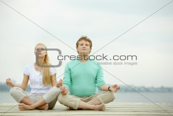 Dates meditating