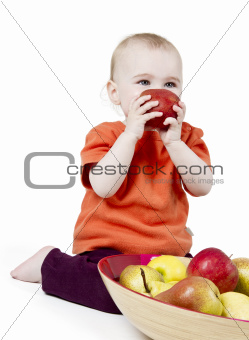 baby with apples