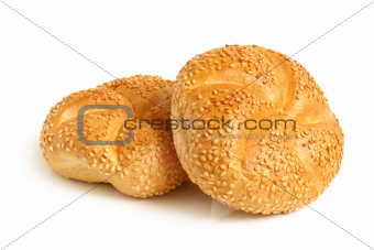 Round buns with sesame