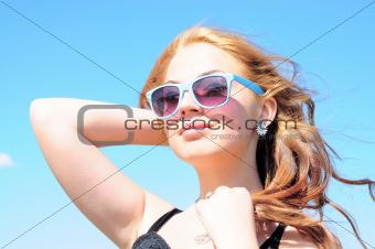 Blonde woman smilig