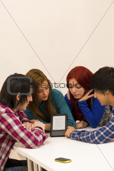 Electronic reading