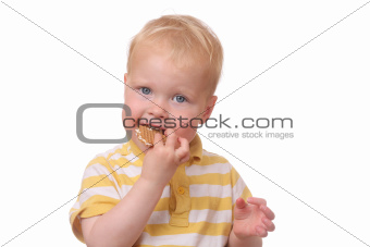 Kid eating cookies