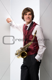 a man with a saxophone_04