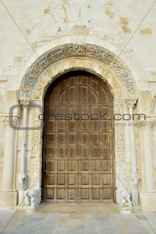 View of the portal window of the facade Cathedral of Trani