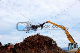 Unloading of scrap metal