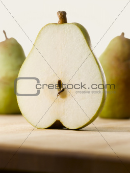 1 pear sliced on two
