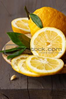 Sliced lemon.