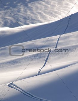 Off-piste ski track