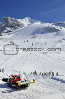 Snow groomer at Hintertux Glacier