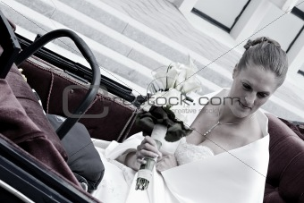 bride arriving in coach
