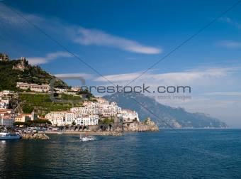 sea in Amalfi