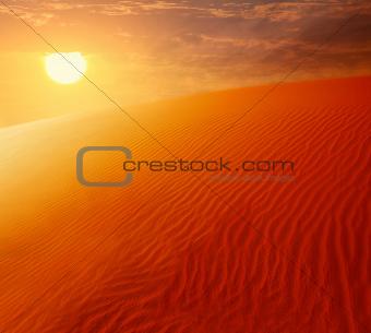 Extreme desert land