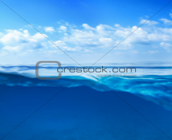 Blue ocean horizon