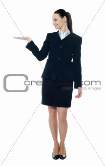 Lady presenting copyspace in business