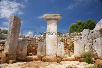 white stone taula room