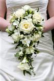 bride holding a weddingbouquet