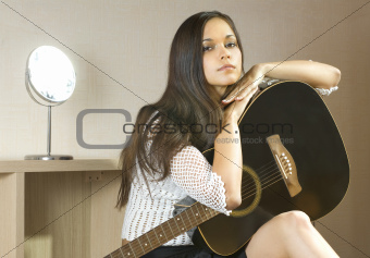 lady and guitar