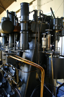 Big diesel engine from 1930