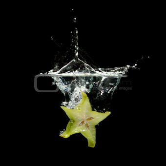 carambola splashing in water