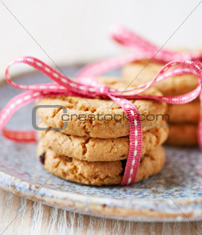 Cranberry cookies tied with pink ribbon