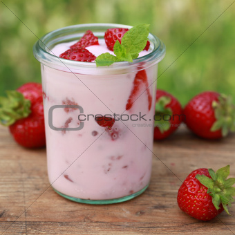 Strawberry Yogurt in a glass jar