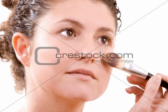 Applying foundation