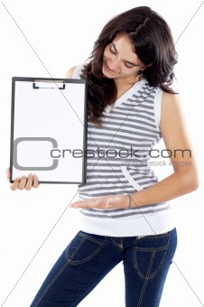 teen whit clipboard