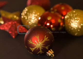 agleam christmas balls ornaments