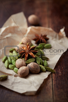 Cardamon pods, star anise and nutmeg