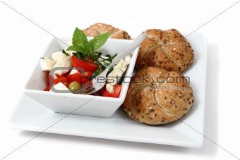 vegetable salad (tomato, basil, olive)
