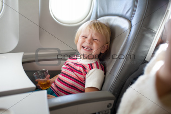crying child in airplane