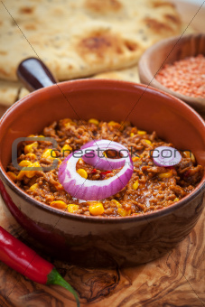 Mexican chilli con Carne with red lentils