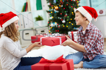 Kids with giftbox