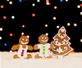 Gingerbread people and christmas tree