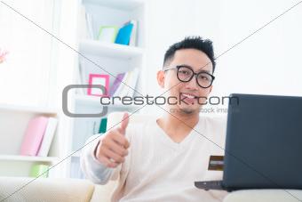 Thumb up internet shopping