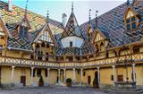 Beaune Hotel Dieu colorfu roofs