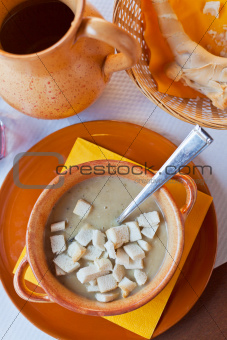 Ferrara soup with warm croutons
