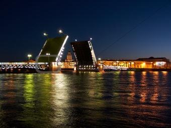 Palace Bridge raising