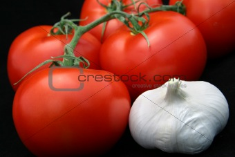 Tomatoes & Garlic on Black
