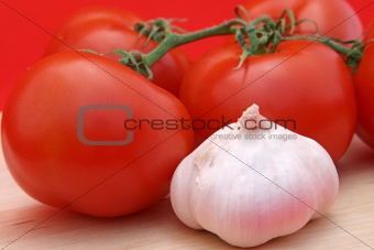 Tomatoes & Garlic on Red 2