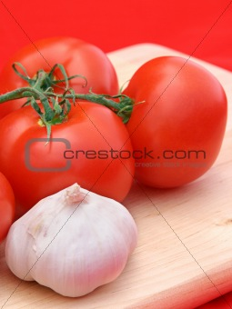 Tomatoes & Garlic on Red