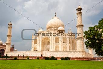 Taj Mahal temple landscape view