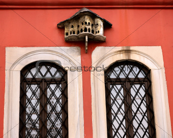 made on the home window ottoman bird palace