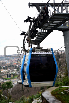 passenger-carrying cable car cabin